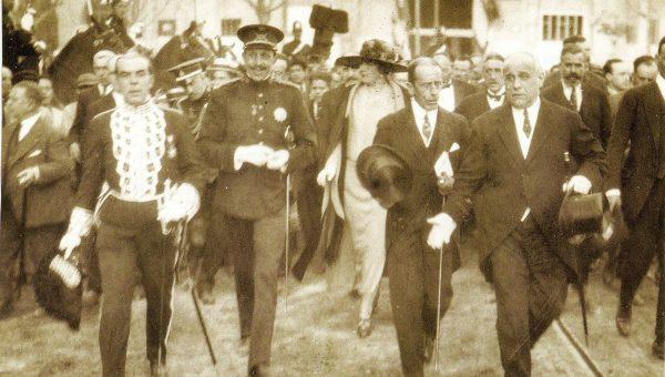 1923 inaguracion de la feria de muestras por Alfonso XIII y VictoriaEugenia